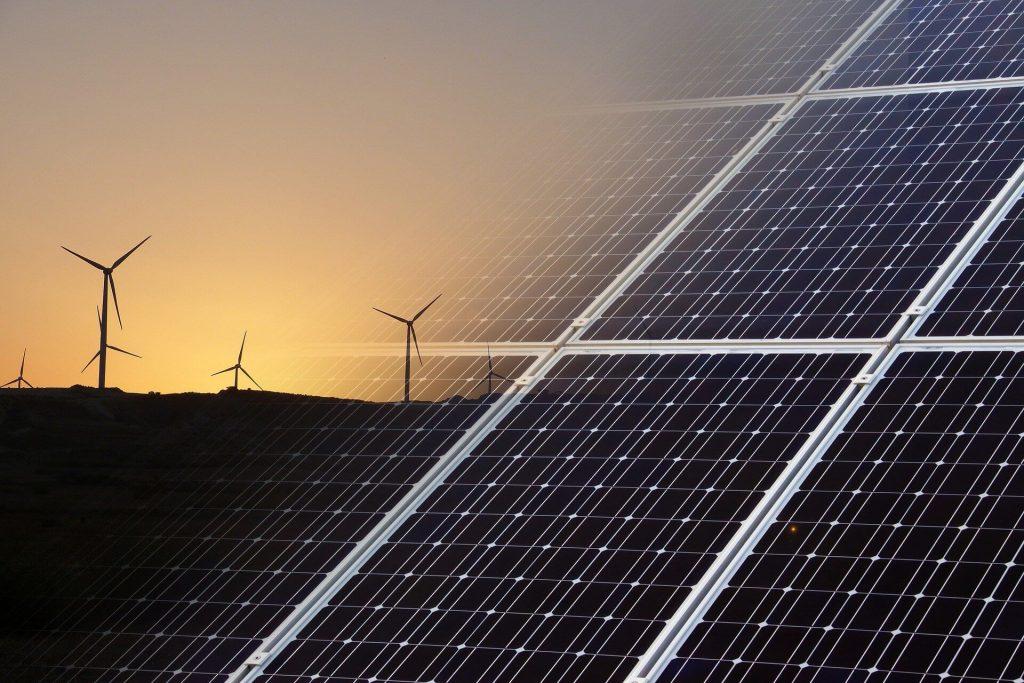 Der IE00B1XNHC34 ETF investiert in weltweite Unternehmen aus dem Sektor saubere Energie.